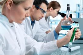 Психологи объяснили, почему большинство женщин не любят заниматься наукой